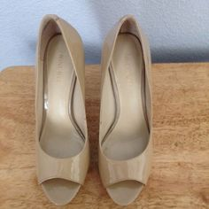 """Nine West beige platform heels. These 1  1/2"""" platform nude or beige high heels with 5"""" heel. This is a re post on poshmark. Size 6  1/2"""" that is my size but they were too small. I think Size 6. Nine West Shoes Heels"""