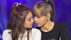 Yg Entertainment, South Korean Girls, Korean Girl Groups, Anime Sisters, Blackpink Members, Best Photo Poses, Lisa Blackpink Wallpaper, Cute Lesbian Couples, Wattpad