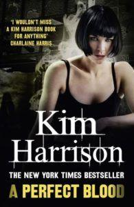 Mon avis sur A perfect blood de Kim Harrison, un très bon tome où j'ai eu grand plaisir à retrouver Rachel Morgan.