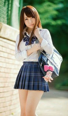 Japanese School Uniform Girl, School Girl Japan, School Girl Dress, School Uniform Girls, Japan School Uniform, School Uniform Fashion, Beautiful Japanese Girl, Beautiful Asian Women, Cute Asian Girls