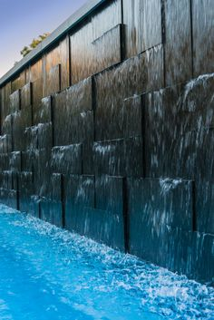 Nero Notte Granite Water Wall - Garden Design about you searching for. Modern Water Feature, Diy Water Feature, Backyard Water Feature, Small Backyard Pools, Indoor Water Fountains, Indoor Fountain, Fountain Ideas, Fountain Design, Outdoor Fountains