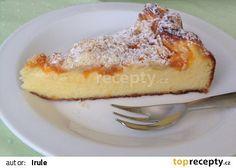 Tvarohový koláč s ovocem a drobenkou recept - TopRecepty.cz