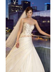 Robe de mariée 2013 décolleté en coeur satin cristaux