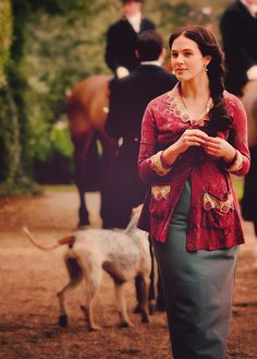Lady Sybil Downton Abbey - gaaaah!!! she is so gorgeous!!!