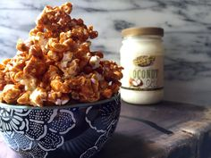 Dairy Free Caramel Corn made with Golden Barrel Coconut Oil is a great snack to enjoy with the family on movie night. Clean Eating Recipes, Clean Eating Snacks, Corn Recipes, Snack Recipes, Dairy Free Dips, Gluten Free, Carmel Corn, Caramel Rolls, Vegan Caramel