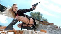 Girls With Guns Hd Wallpapers | Free HD Desktop Wallpapers ...