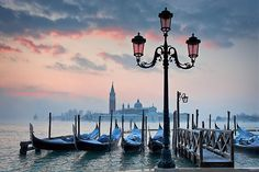 Venice, Italy  #venice #dawn, reminds me of a scene in mary poppins even though they're different cities!