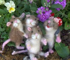 Gus the field mouse Needle Felted Animals, Felt Animals, Needle Felting, Wet Felting Projects, Mouse Crafts, Pom Pom Crafts, Felt Mouse, Cute Mouse, Cute Little Things