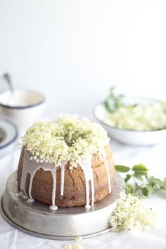 bundt cake with elderflower