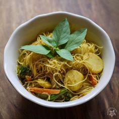 Hapa-tite   Singaporean Curried Vegetable Noodles
