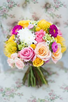 Gorgeous bright summer wedding bouquet via polka dot bride Summer Wedding Bouquets, Bride Bouquets, Floral Bouquets, Wedding Colors, Wedding Flowers, Beautiful Flower Arrangements, Colorful Flowers, Beautiful Flowers, Wedding Vows