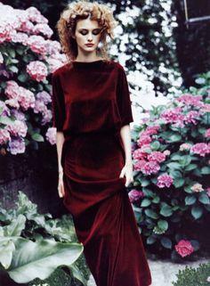 Trish Goff by Ellen von Unwerth for Vogue US November 1997 red velvet dress
