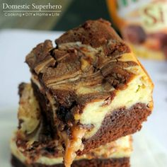 If you are a caramel lover, have we got the recipe round-up for you! From cookies to cupcakes to cake, plus pie and shortbread, we've put together some of the most amazingly delicious caramel recipes for you to try. Personally, I'm drooling over the Samoas Brownie... #caramel #dessert #featured