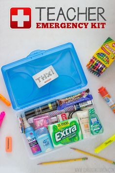 Create a simple, yet fun Teacher Emergency Kit for your child\'s teacher. This kit is great for Teacher Appreciation Day, Birthdays, as a Back to School Gift or even an End of Year gift! #GIVEEXTRAGETEXTRA #Walgreens #CollectiveBias #ad