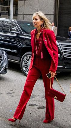 Queen Maxima in New-York, sept. 2017 I love her dynamics; lady in red