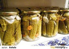 """""""Znojemský"""" nálev na okurky recept - TopRecepty.cz Raw Food Recipes, Pickles, Cucumber, Mason Jars, Anna, Raw Recipes, Pickling, Cauliflowers, Zucchini"""