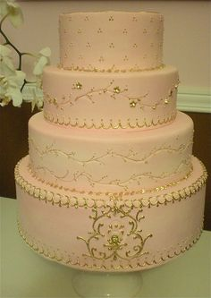 Pink and Gold by The Wedding Cake Shoppe, via Flickr