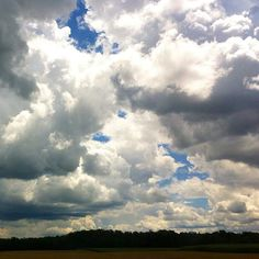 Such beautiful, dramatic clouds. #roadtrip #inthecountry #nature