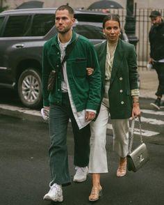 Street Style Shots: New York Fashion Week Day 5 New York Street Style, Street Style Trends, Look Street Style, Street Style Blog, Fashion Couple, Look Fashion, Street Fashion, Mens Fashion, Korean Fashion