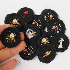 There always have been pins in progress on my desk and i am so grateful for this. My pin cards went out of stock this week and that means i made 500 embroidered pins this year🎉😙🎉 I thank you so much for your interest to my work!💓 I'll celebrate this...
