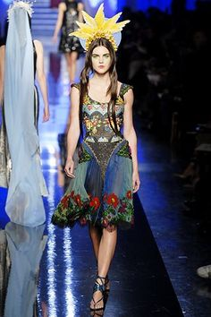 Jean Paul Gaultier Spring 2007 Couture Fashion Show - Hilary Rhoda (OUI)