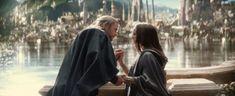 Chris Hemsworth and Natalie Portman are on-screen lovers in Marvel's Thor: The Dark World, which hit theaters on Nov. Chris Hemsworth Thor, Elsa Pataky, Jane Foster, Thor 2, Loki, Trailer Peliculas, Kissing Scenes, The Dark World, New Clip
