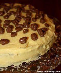 Cebicin keittiö: Daim-kakku Pie, Desserts, Food, Torte, Cake, Meal, Fruit Pie, Deserts, Essen