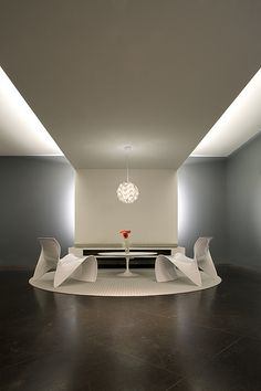Browse and discover thousands of office design and workplace design photos - tagged and curated to make your search faster and easier. Interior Lighting, Home Lighting, Ceiling Light Fittings, Reception Design, Reception Ideas, Waiting Area, Workplace Design, Floating Wall, Led