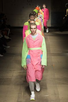 See all the Collection photos from Topman Design Autumn/Winter 2017 Menswear now on British Vogue London Fashion Week Mens, Runway Fashion, Fashion Show, Mens Fashion, Vogue Paris, Winter 2017, Fall Winter, What To Wear Today, How To Wear