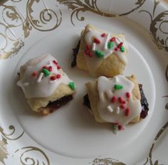 I learned how to make these cookies by taking an Italian Christmas Cookies class. The instructor was named Dora, and her website can be fou. Italian Christmas Cookies, Holiday Cookies, Holiday Treats, Holiday Recipes, Christmas Recipes, Holiday Foods, Christmas Goodies, Christmas Ideas, Merry Christmas