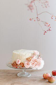 Shooting d'inspiration : Evasion automnale en rose poudré - Fleuriste spécialisée en mariages et wedding design en Alsace Decoration Table, Decorative Boxes, Blush, Autumn, Alsace, Wedding, Magazine, Design, Dusty Rose