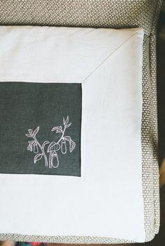 서촌 프랑스자수 '장스'의 9월 클래스 수강생 모집 ::: 경복궁역, 광화문, 서촌, 독립문역, 경복궁 프랑스자수 클래스, 프랑스자수 수업 : 네이버 블로그 Tapestry, Embroidery, Home Decor, Hanging Tapestry, Tapestries, Needlepoint, Decoration Home, Room Decor, Home Interior Design