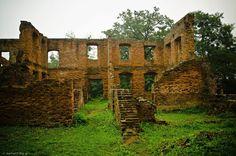 Ruiny pałacu poety Josepha von Eichendorffa w Łubowicach