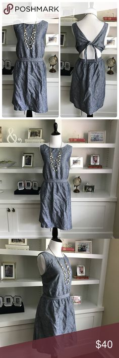 Gap Dress Business in the front and party in the back!!! Love the classic, preppy look in the front. Turn around and show off your back!!! Tie loose or in a bow! 55% Linen and 45% Cotton. In pristine condition! GAP Dresses Midi