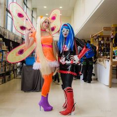 Cosplay Stella winx club par Seika cosplay,  cosplay Ghoulia Yelp deadfast monster high par Olween cosplay , photo : Éric Richet