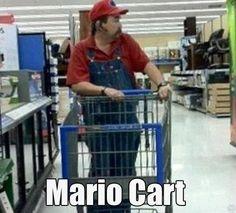 Mario Cart (for real). Look Mario shops at Walmart! Walmart Humor, Walmart Shoppers, Walmart Customers, Walmart Walmart, People Of Walmart, Funny People, Creepy People, Mario Et Peach, Walmart Lustig