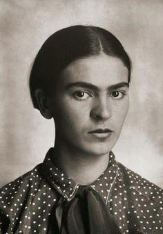 Rare photos of Frida Kahlo as a teen