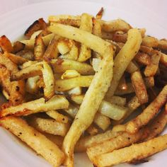 Fast Paleo Baked Jicama Fries - Paleo Recipe Sharing Site-slice coat with coconut oil and seasonings. Bake in oven 375 for 15 minutes turn bake another 10 mintues. Add parmesan while baking. Primal Recipes, Gluten Free Recipes, Low Carb Recipes, Whole Food Recipes, Diet Recipes, Healthy Recipes, Yummy Recipes, Candida Recipes, Healthy Foods