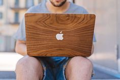 Walnut wood for MacBook Pro - Glitty - wooden cover
