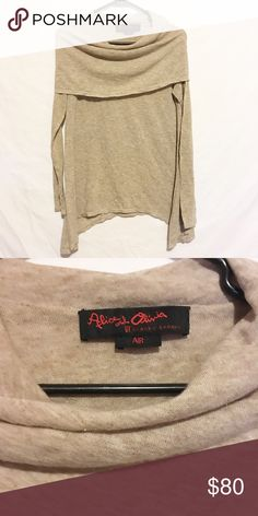 Alice and Olivia air by Stacey Bendet cowl neck Size small doesn't have a sizing tag! Great condition! Make an offer! All prices can be lowered! Alice + Olivia Sweaters Crew & Scoop Necks
