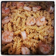 Garlic Lemon Shrimp Pasta-- 30 minute meal! http://mollycoddledhashslinger.com/2013/07/17/garlic-lemon-shrimp-pasta-recipe/