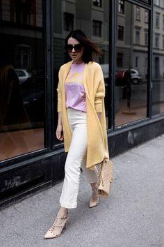 春夏タイプさんに。Tシャツの色は夏タイプのピンク。