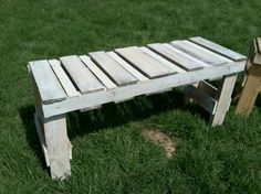 21. Repurposed Pallet Bench