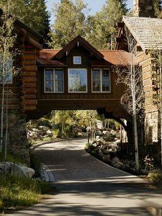 storm mountain ranch house - Rustic - Exterior - denver - by Paddle Creek Design Design Exterior, Rustic Exterior, Exterior Paint, Tiny Build, Future House, Exterior Tradicional, Creative Architecture, Architecture Office, Colorado Homes