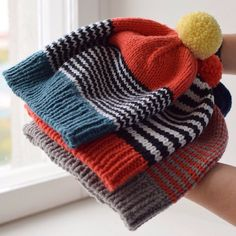 Alto Knits wool hats Alto Knits wool hats caps Record of Knitting Yarn rotating, weaving and stitching careers suc. Baby Knitting Patterns, Loom Knitting, Hand Knitting, Crochet Patterns, Knit Crochet, Crochet Hats, Crochet Winter, Free Crochet, Tear