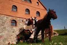 wiklinowy koń, wiklina to ważny element osadnictwa, Olendrzy zapraszają  www.olandia.pl