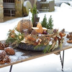 Looking for winter decoration for the garden? Then these 8 ideas are really . Woodland Christmas, Christmas Love, Rustic Christmas, Primitive Christmas, Christmas And New Year, Vintage Christmas, Christmas Holidays, Christmas Ideas, Pine Cone Decorations