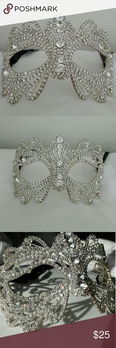 🎭Venetian Masquerade diamond Mask🎭 🔴Details  ⚪Faux diamond encrusted metal mask ⚪Black ribbon back tie  ⚪Shines and shimmers dramatically  ⚪Heavy and durable Accessories