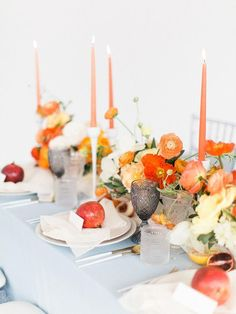 For the love of Poppies Wedding Inspiration ? Ruffled : For the love of Poppies Wedding Inspiration Beach Wedding Reception, Brunch Wedding, Wedding Reception Decorations, Wedding Table, Table Decorations, Wedding Mandap, Wedding Receptions, Spring Wedding Colors, Purple Wedding