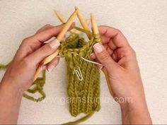 On this DROPS video present how one can knit a thumb for a mitten. First we present the way to first improve for the thumb gusset by making 1 yo either side of a Knitting Help, Knitting Videos, Lace Knitting, Knitting Projects, Knit Crochet, Knitted Slippers, Knit Mittens, Lace Patterns, Knitting Patterns